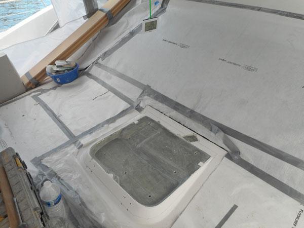 Réparation pied de mât sur catamaran 70'